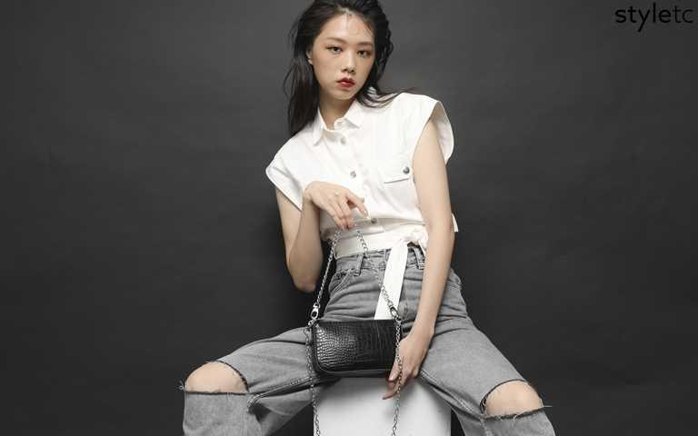 換一個包就可以搭得這麼帥!不用羨慕別人的時尚感,被炒得火熱的冬季包款先買起來就對了!