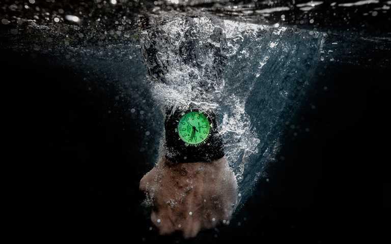 究極之光深海潛將!Bell & Ross「BR03-92 Diver Full Lum」方形潛水錶極境無畏放閃