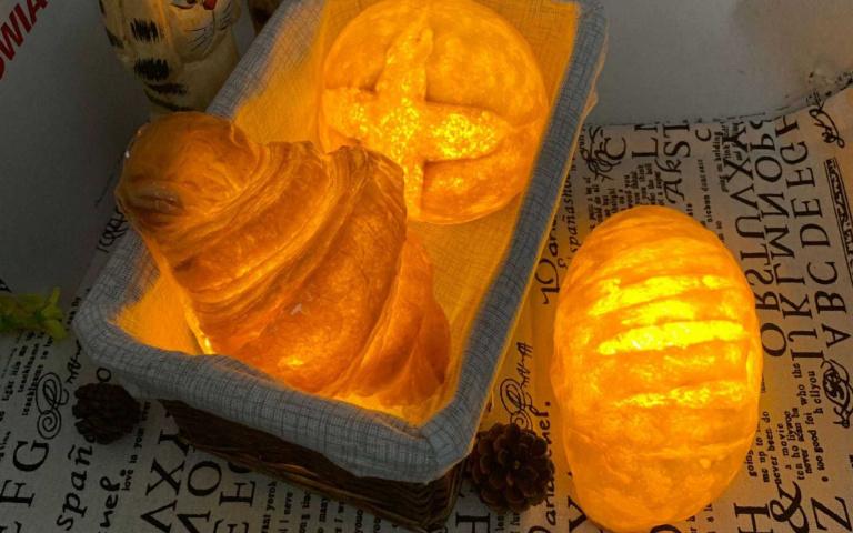 減肥者勿買!韓國「麵包夜燈」有夠夯,半夜肚子餓就拿來啃吧!
